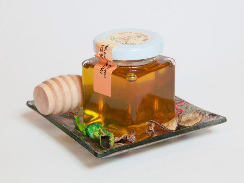 קערה קטנה עם דבש