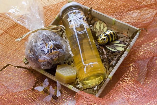 סלסלת מתנה עם דבש