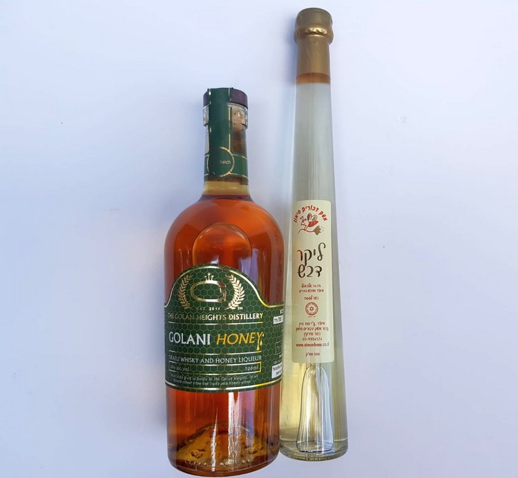 בקבוקי אלכוהול עם דבש