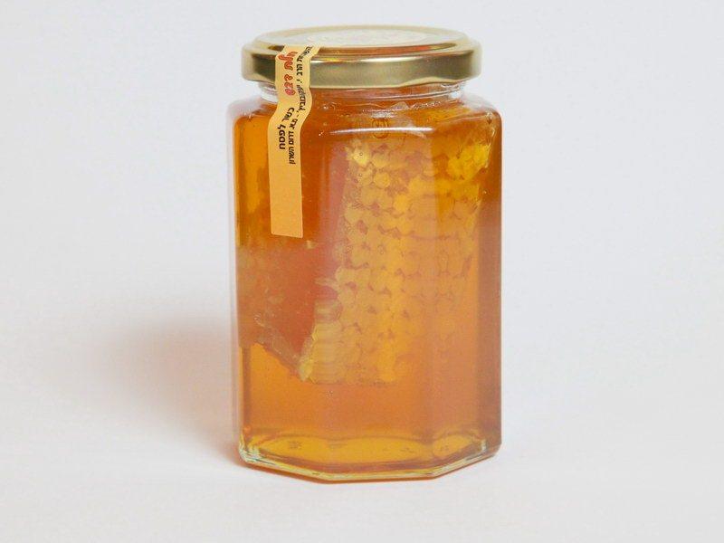 דבש עם יערה